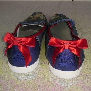 Toms x Disney snow white women's shoes size 9.5